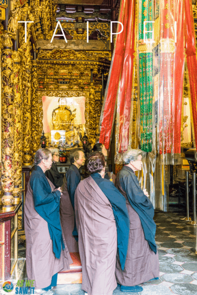 priests at temple text says taipei