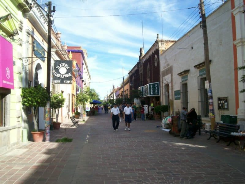 Pedestrians on shopping street in Tlaquepaque