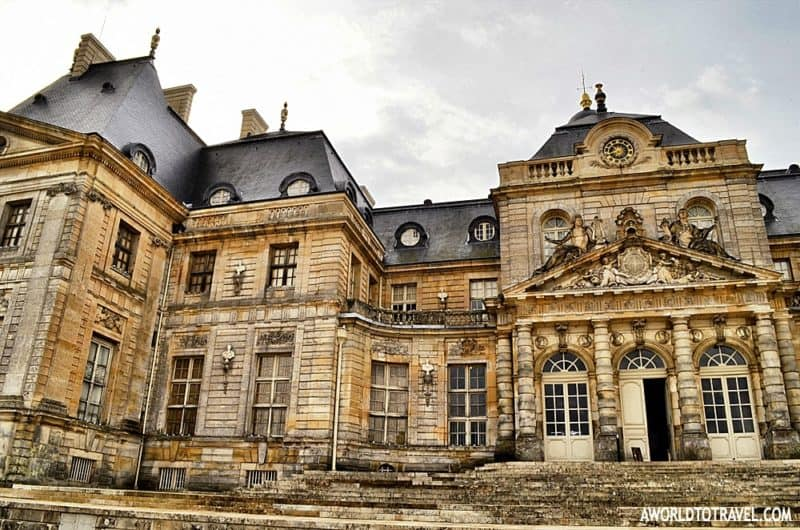 Closeup of part of the facade of Vaux le Vicomte