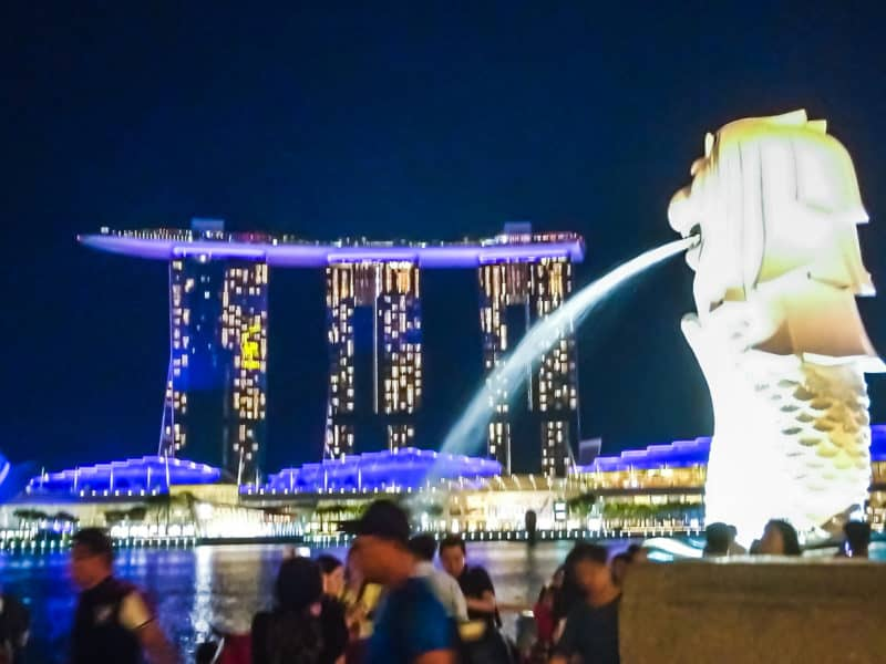 Merlion park fountain with Marina bay sands in the back ground.