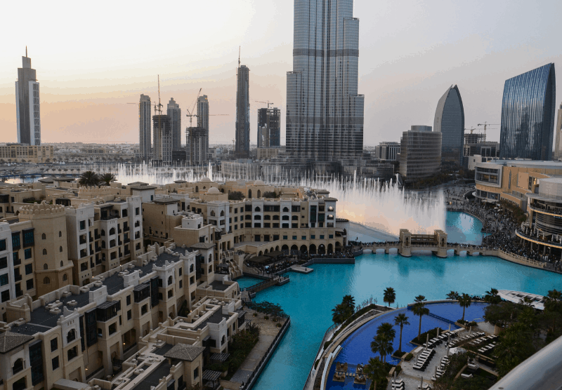 Dubai fountain in front of the Burj al Khalifa