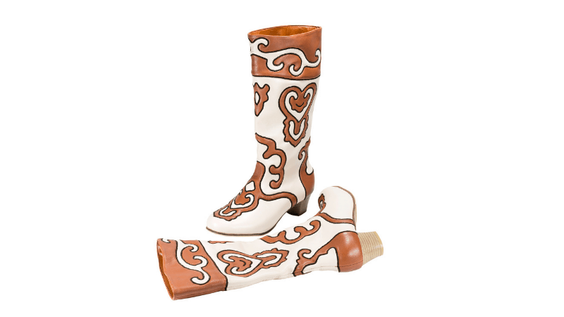 Traditional Tatar boots called ichigi make a great souvenir of Tatarstan.