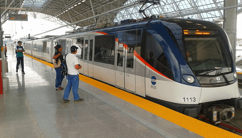 One of the most important things to know before visiting Panama is that the capital city has a very modern subway metro system.