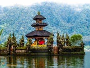 Fog set the scene with stillness causing the reflection of Pura Ulun Danu Bratan temple.