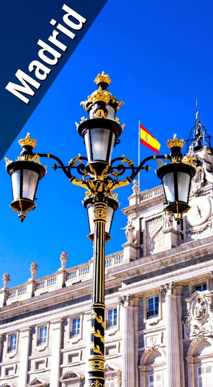 Even the lamp posts are fancy, not just the fountains and squares in Madrid.