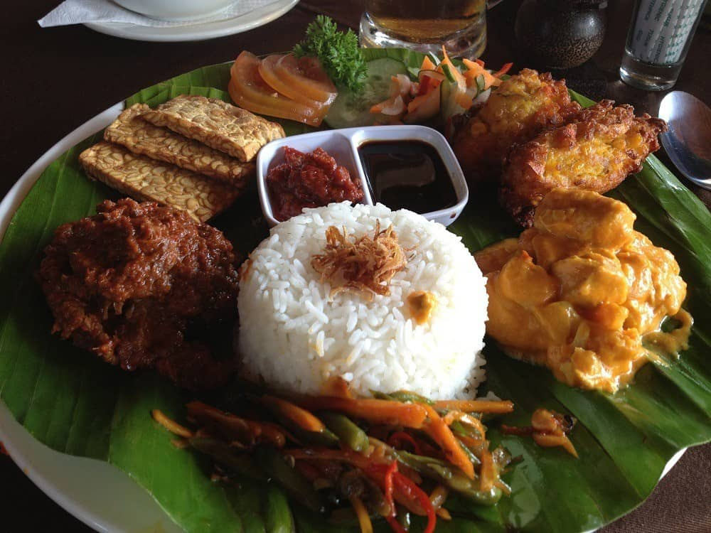 Nasi campur Bali Indonesia