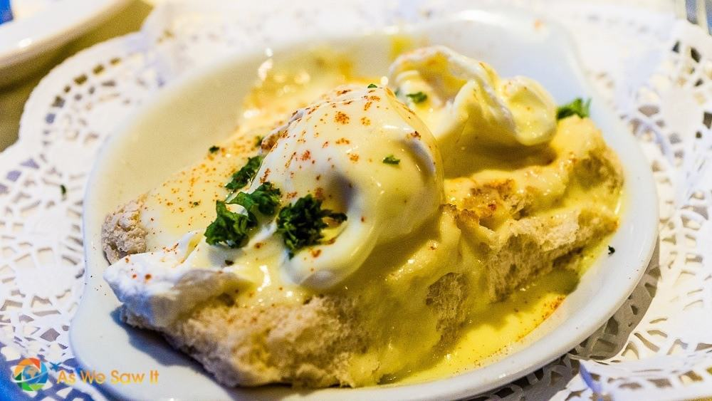 Vegetarian eggs benedict on waterford blaa